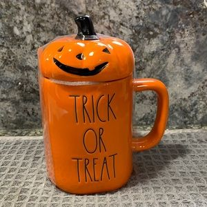 Rae Dunn TRICK OR TREAT Mug with Topper